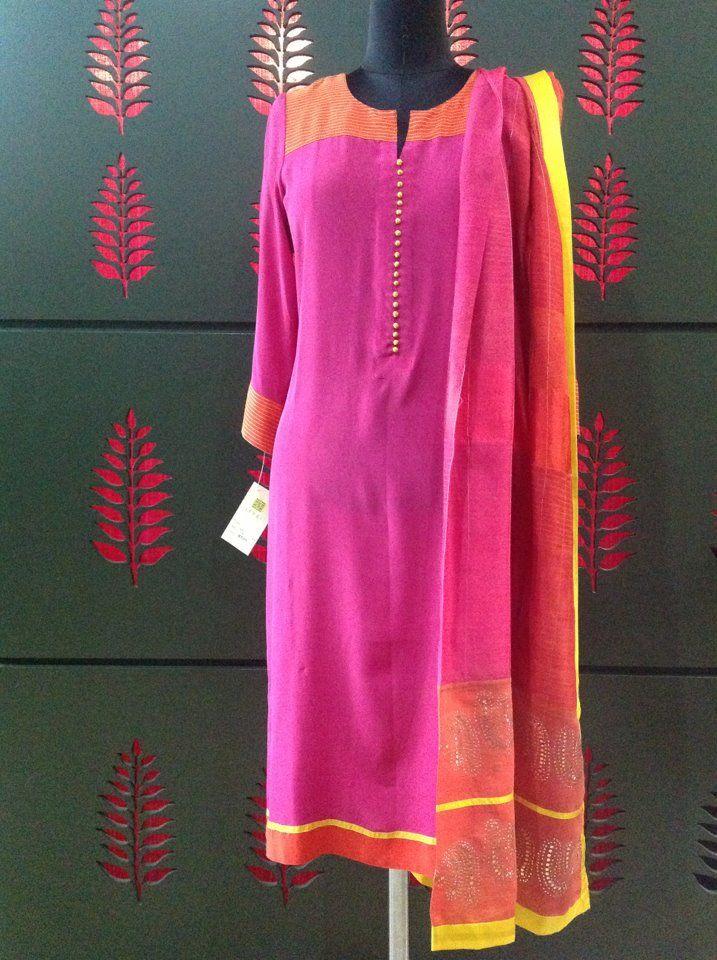 Indian ethnic wear, Legging, Kurti, tunic, top, saree, sari, lehenga, lehnga, designer saree, bollywood saree