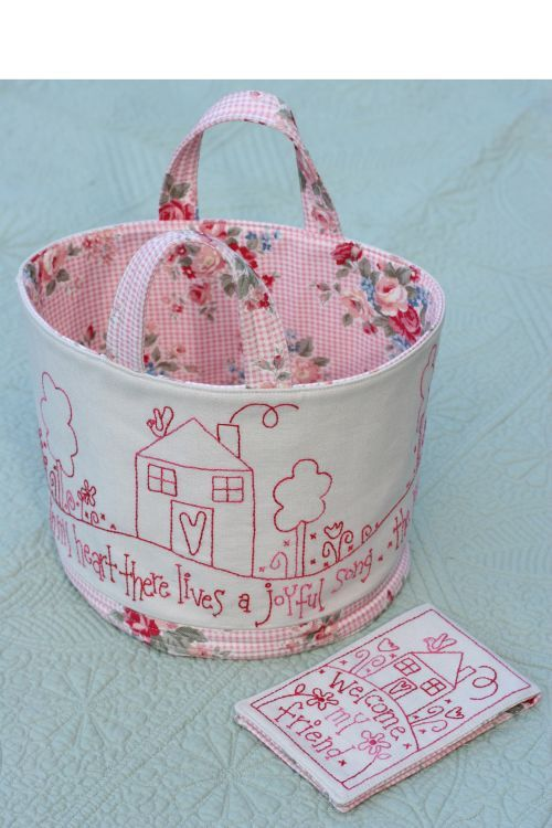 This is why i went on this website and then i found all sorts of neat stuff, a Welcome friend caddy from Rosalie Quinlan designs