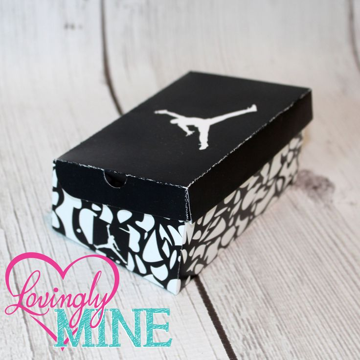 Jordan Shoe Favors