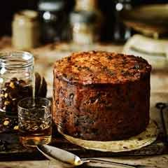 Fig, apricot and pistachio Christmas cake - Sainsbury's Magazine