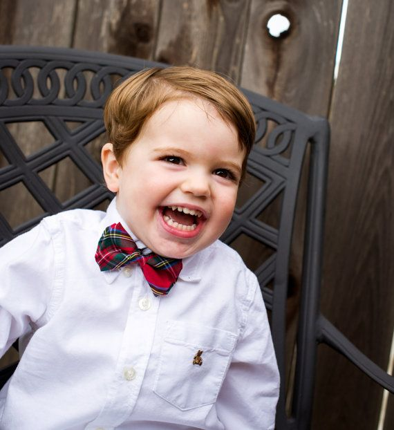 Boys Bow Tie - Adjustable Velcro Closure (All sizes have 3 adjustability)    Handcrafted in Toronto, Canada using the finest fabrics and