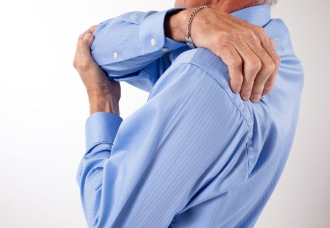 6 Symptoms Of Neck Arthritis | http://www.findarthritistreatment.com/six-symptoms-of-neck-arthritis/