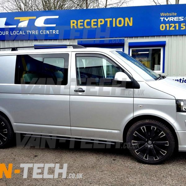 VW Transporter T5 fitted with Black Aluminium Roof rails (2)