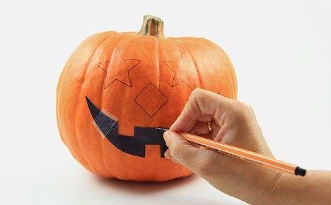 Halloween Deko: Kürbis schnitzen