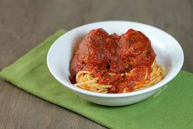 Emily Bites - Weight Watchers Friendly Recipes: Slow Cooker Meatballs & Marinara