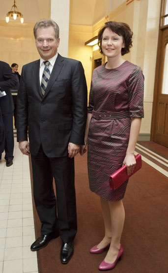 This Marimekko dress by Samu-Jussi Koski is my favourite business attire. I do have this one :)
