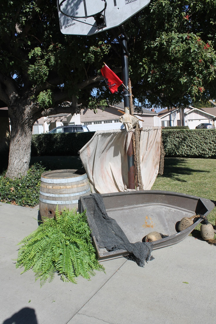 Adult pirate party ideas - Pirate Boat For Pirate Party Great Party Props