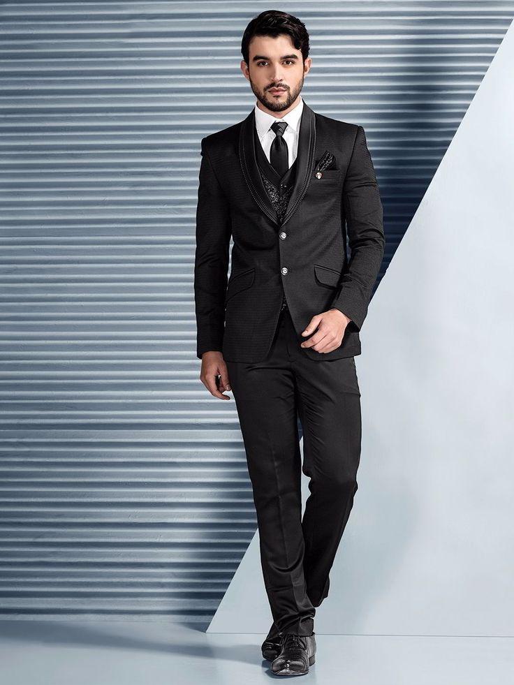 Чёрный мужской костюм-тройка (с жилетом)   белая рубашка с галстуком