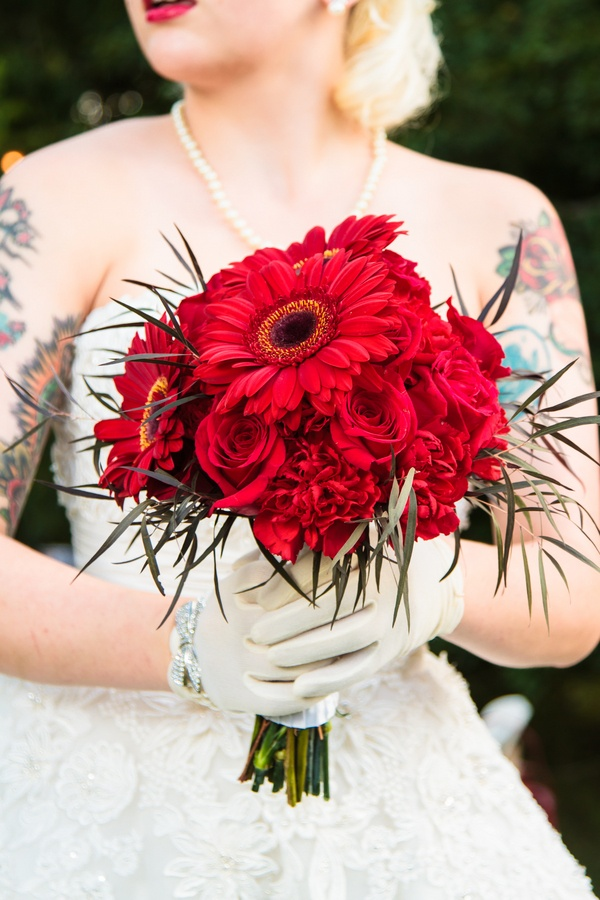 Flowers by Cedar Park Florist/Photo by Knots and Tots