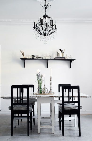 : Dining Room, Chandelier, Sweet, Black And White, Black White, Diningroom, White Table