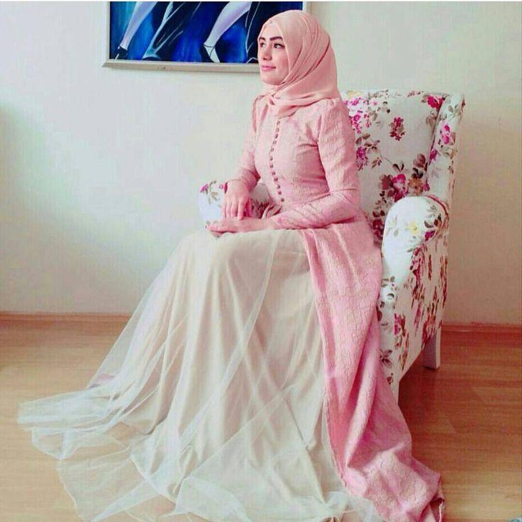 Damla Abiyemizin bir de bunu tonunu görün  #hijap #tesetturmoda #tesetturgiyim #tesettür #moda #tunikler #kullanışlı #yaz #trend #hijabdress #mezuniyet #hijap #tesetturmoda #tesetturgiyim #tesettür #moda #springsummer #Dubai #düğün #nisan #mezuniyet #hijap #instamoda #hijap #nikah #enozelgun #ensevdigim #tesetturmoda #tesetturgiyim #tesettür
