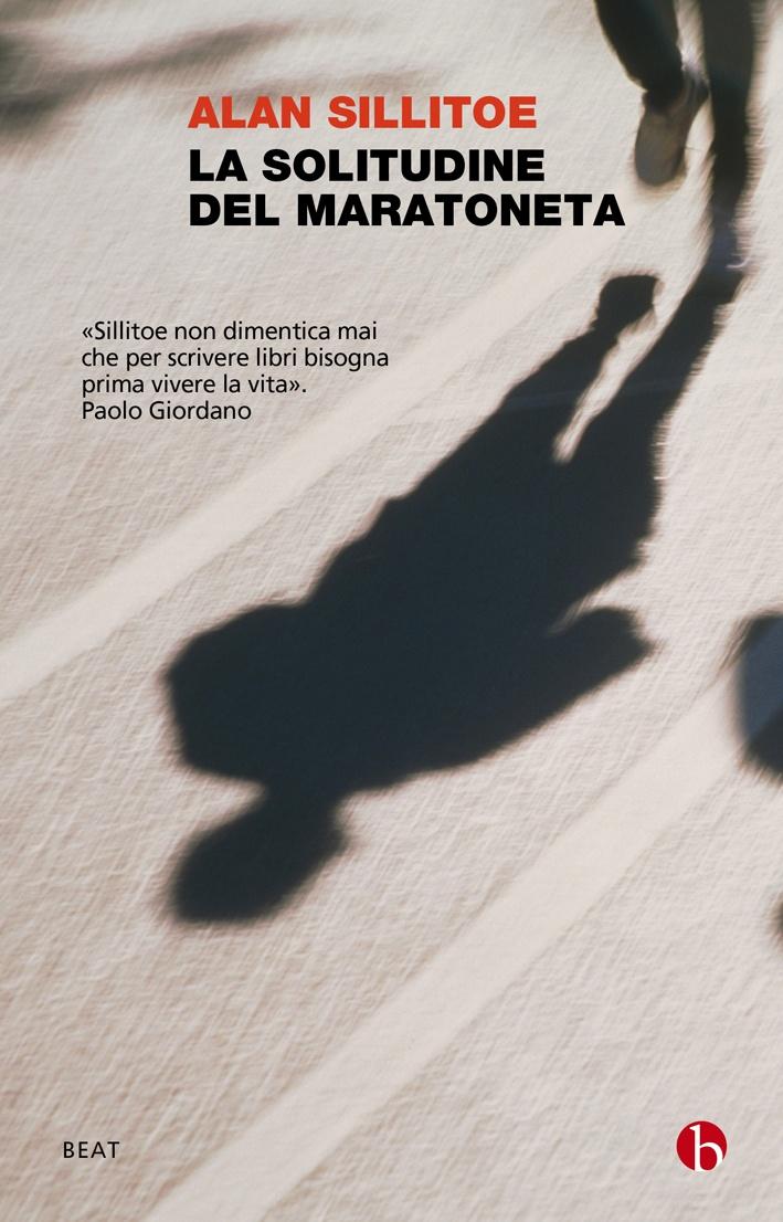 La solitudine del maratoneta, uno dei grandi capolavori del realismo inglese contemporaneo, deve la sua fama in parte a una suggestiva trasposizione cinematografica di Tony Richardson, ma soprattutto allo stile innovativo, e ancor oggi modernissimo, della scrittura di Sillitoe.  http://www.minimumfax.com//libri/scheda_libro/586