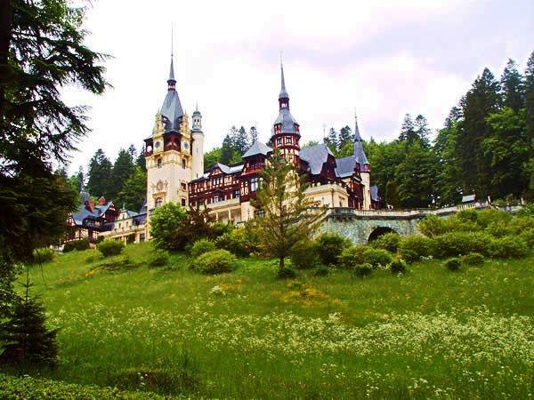 Google Image Result for http://www.visit-transylvania.us/europe-cultural-holidays-romania/treasure/peles.jpg