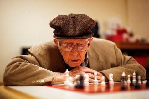 ¿A qué edad somos viejos para el ajedrez? - Torre 64