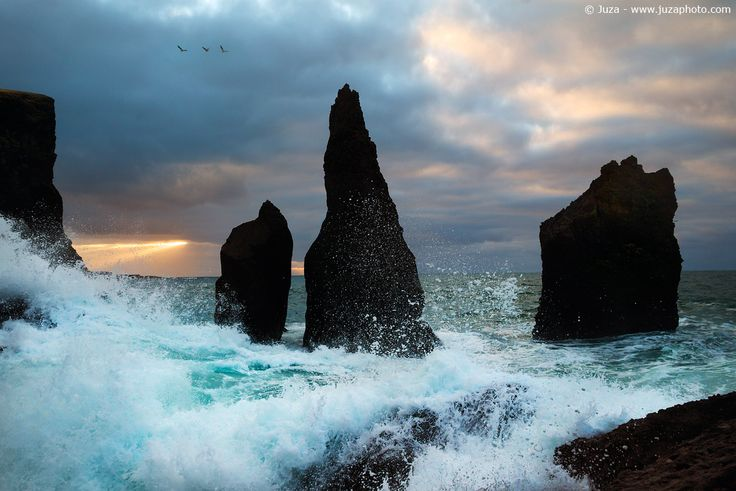 Mare in tempesta, Islanda - Foto scattata con α7S  Sito Web: www.juzaphoto.com