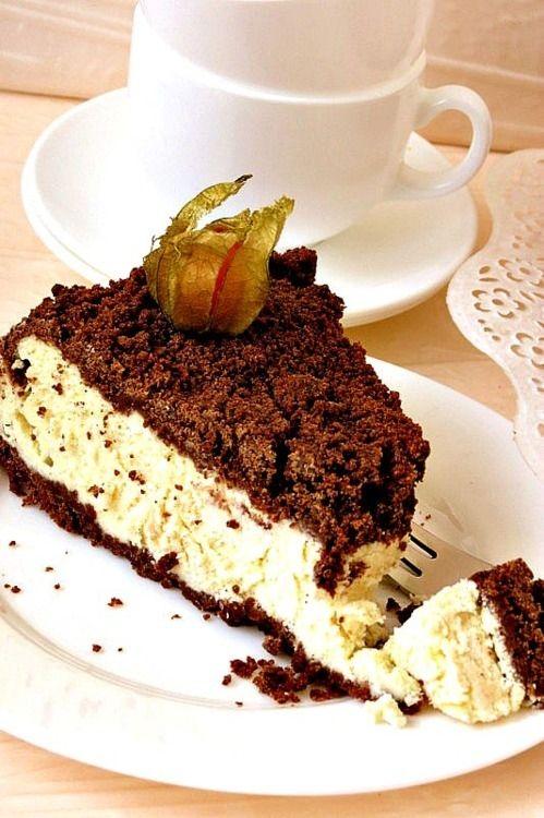 Шоколадно-творожный пирог - пошаговый рецепт с фото: Для основы растереть мягкое сливочное масло с сахаром. Добавить какао. Затем добавить муку. Перетереть все в крошку... - Леди Mail.Ru