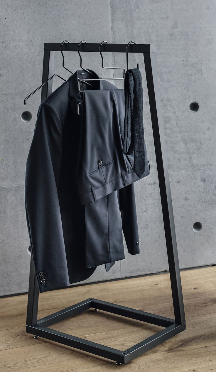 BEdesign - Lume coat stand mini - perfect for smaller spaces