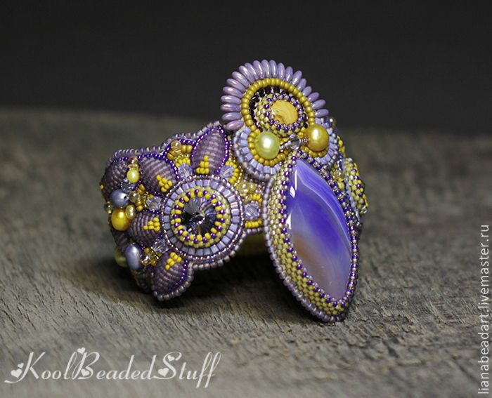 Купить или заказать Aiyana - Вышитый браслет в интернет-магазине на Ярмарке Мастеров. Браслет продан