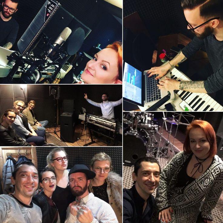 W dniach 6 - 8 marca odbył się pierwszy międzynarodowy muzyczny bootcamp zorganizowany przez wytwórnię fonograficzną artCONNECTION music . i Schubert Music Publishing. Udział w nim wzięli norweski producent Jaran Hereid oraz artyści naszej wytwórni: Kovalczyk, Ewa Szlachcic i Bardotka  Trio. #ShubertMusicPublishing #artCONNECTIONmusic #jaranhereid #Kovalczyk #BardotkaTrio #EwaSzlachcic #bootcamp #musicbootcamp