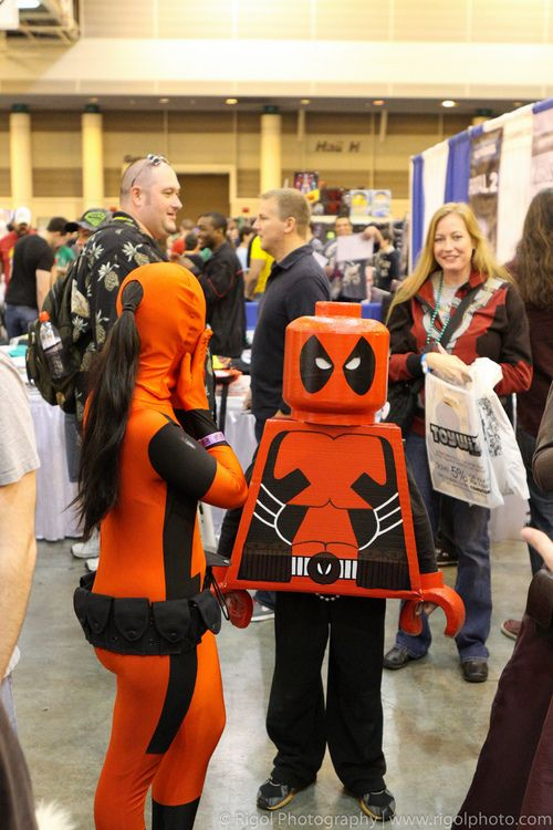 Lego Deadpool Cosplay - New Orleans WizardWorld Comic Con 12-2012 (by Rigol Photography)