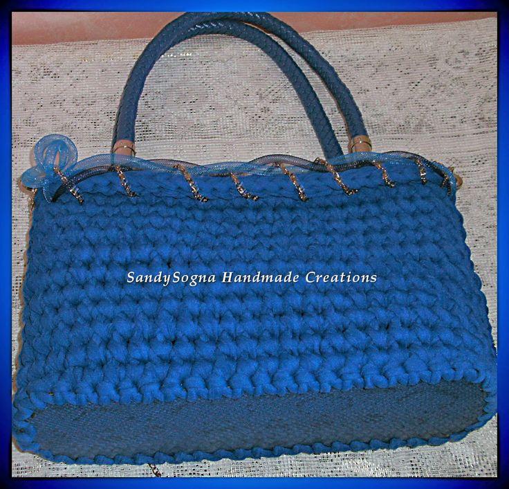 Cielo Blu, nuova borsa in fettuccia fondo rigido