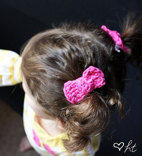 Crocheted Hair Bows (Tutorial) - Happy Together