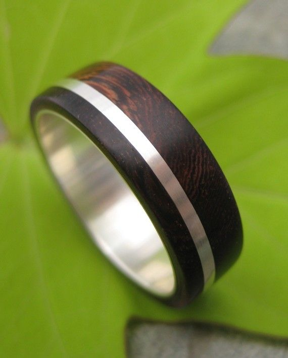 Solsticio Nacascolo - sustainable wood and recycled sterling ring on Etsy