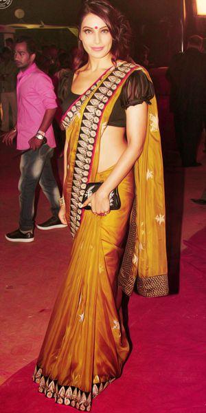 saree Bipasha Basu