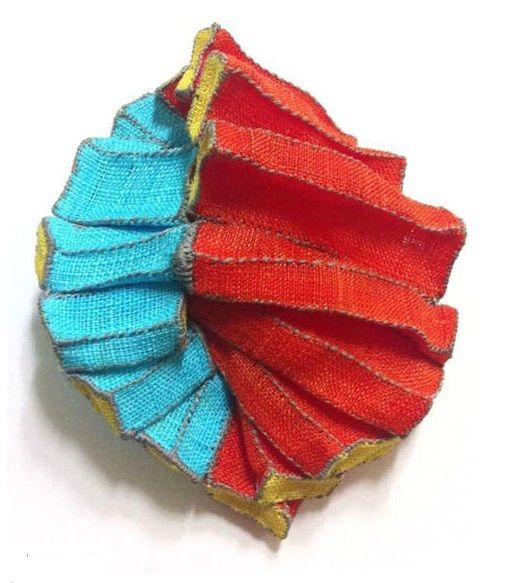 Mina Kang - 'mixture 10' - brooch- ramie fabric 2013