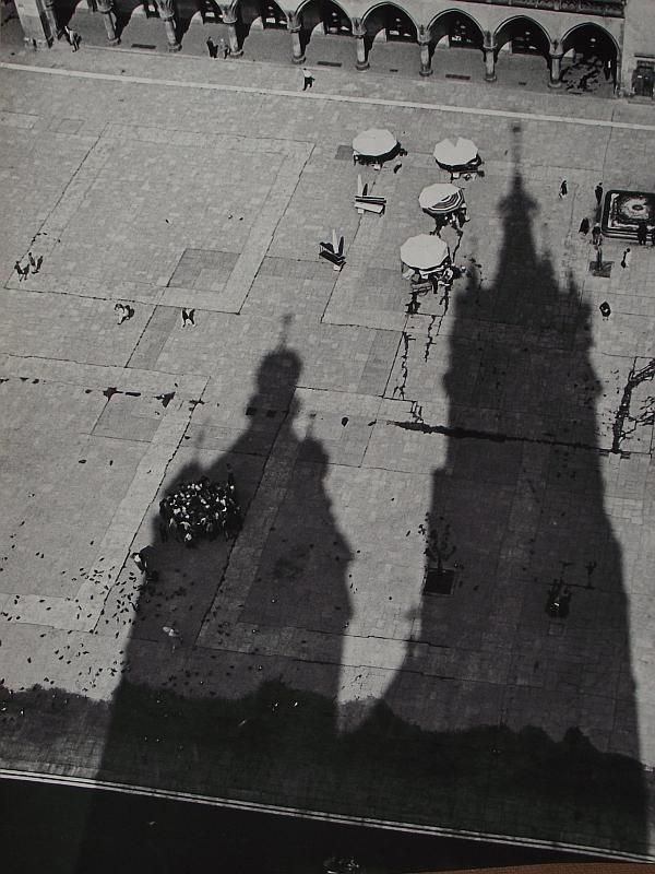 gacougnol:    Henryk Hermanowicz  Krakow Motherboard Market Square and St Mary's church tower shadows