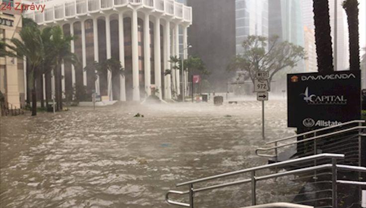 Přívaly deště, vichr, záplavy, tornáda a první mrtví. Hurikán Irma drtí Floridu, platí zákaz vycházení
