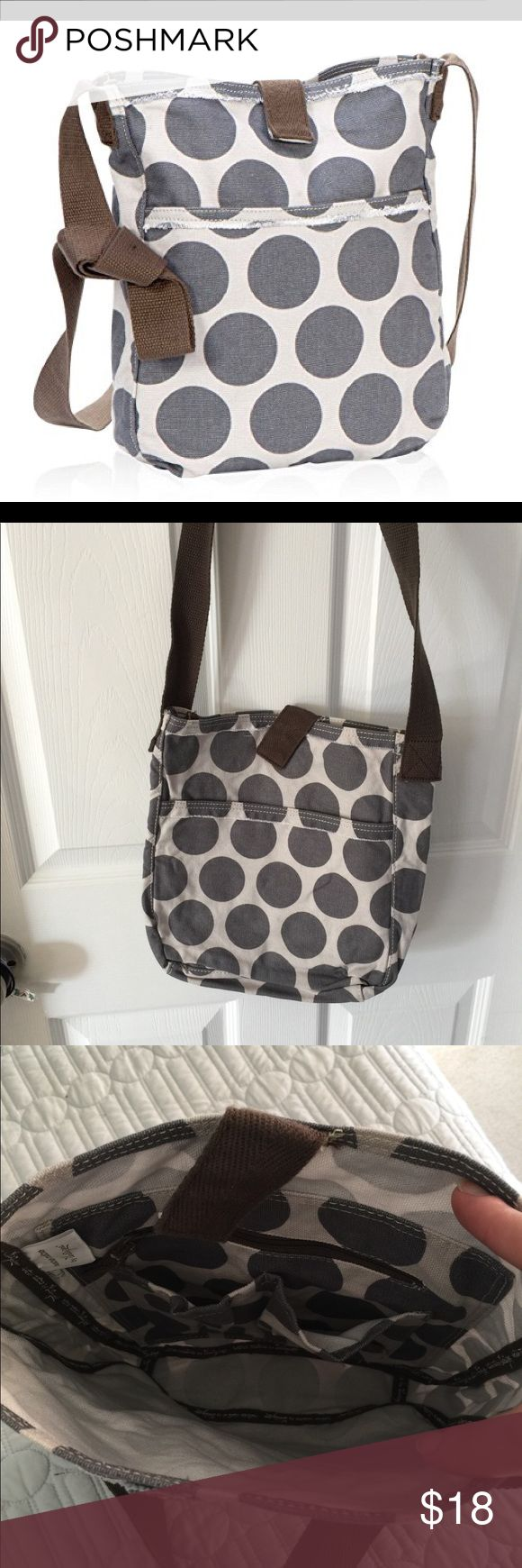 "Never Used Thirty-One Retro Metro Crossbody Never Used Thirty-One Retro Metro Crossbody in Gray Mod Dot. 11""H x 9.5""W x 2""D. Thirty-One Bags Crossbody Bags"