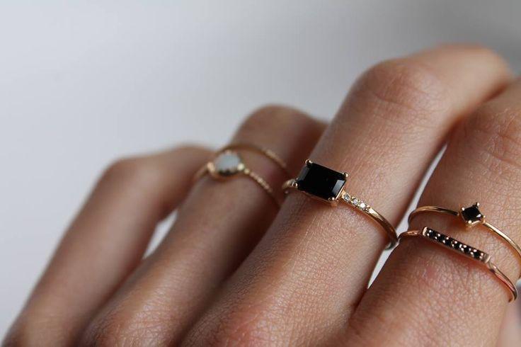 P O P | TheyAllHateUs #rings #black #minimal Schmuck im Wert von mindestens g e s c h e n k t !! Silandu.de besuchen und Gutscheincode eingeben: HTTKQJNQ-2016