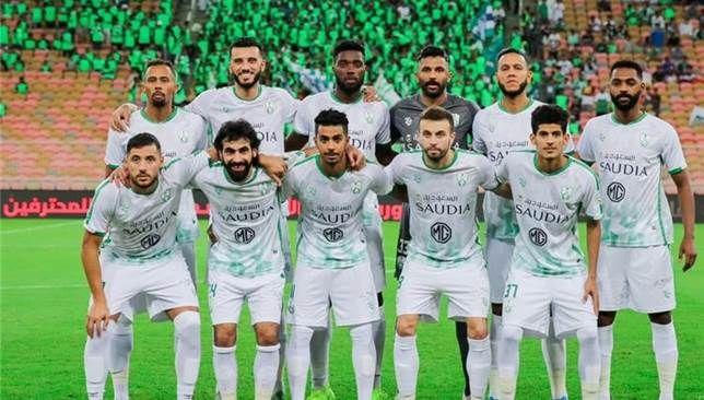 موقف لاعبي الأهلي السعودي من قرار تخفيض الرواتب سعودي 360 أكدت تقارير صحفية اليوم الأربعاء موافقة لاعبي النادي الأهلي السعودي على Women Soccer Soccer Field