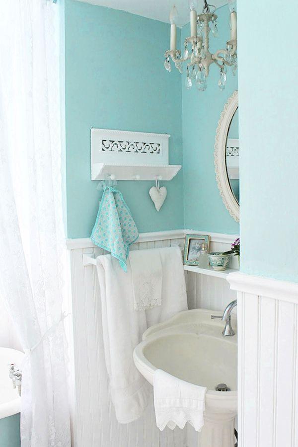 Aiken House and Gardens turquoise bedroom Flower Arrangements And Romantic Decor