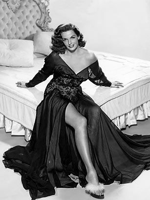 "JANE RUSSELL DIED @ 89  AT 19 YRS OLD HOWARD HUGHES MADE"" the outlaw"" ,,  macao w/ mitchem,,gentlemen prefer blondes w/ monroe"