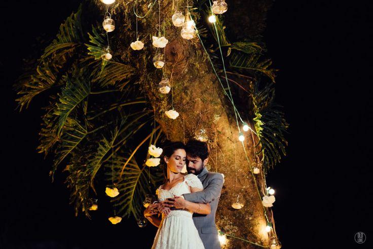 fotografia casamento sensível, romântica, casamento ao ar livre, casamento no campo, luzes casamento, iluminação