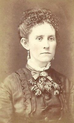 CDV PHOTO LOVELY VICTORIAN WOMAN FRIZZY HAIR FANCY DRESS TOP MANCHESTER NH