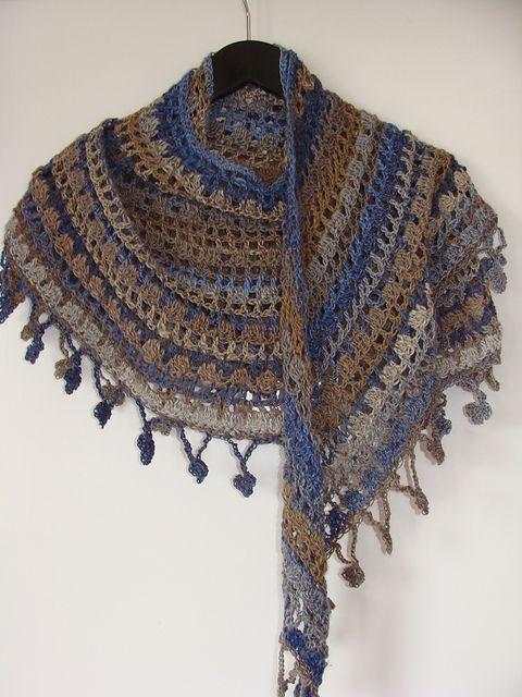 Ravelry: hth's Cresent moon shawl