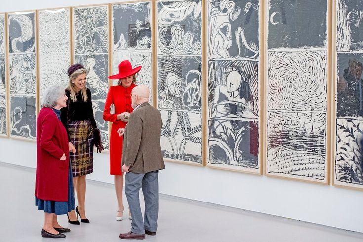 Pierre Alechinsky leidt Koningin Mathilde en Koningin Máxima rond langs de Alechinsky retrospective exhibition   #BELNL2016