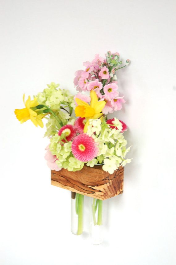 Florero para todos los que están buscando algo Especial  Este único vaso - imán del refrigerador haya gestokten se hace de la mano trabajan para usted y espacio para 2-6 flores o hierbas.  Los vasos están equipados con 2 imanes potentes (3.2 kg) cada uno que seguro que se pegan a la nevera puede ser.  Puedes ver ejemplos, floreros todos aquí - los imanes tienen un dibujo hermoso y multicolor, que puede diferir ligeramente de las fotos.   Con una selección de hermosos bosques, diseñas tu…