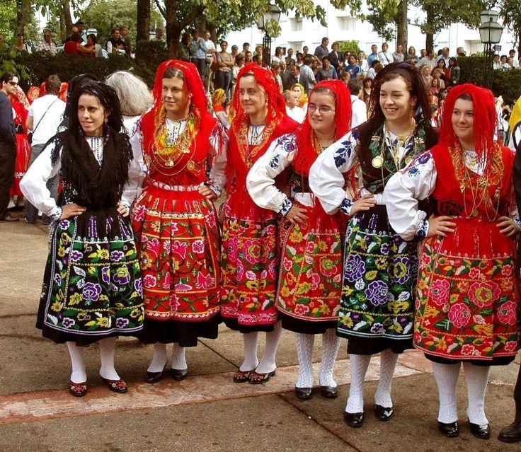 roupa tipica portuguesa feminina - Pesquisa Google