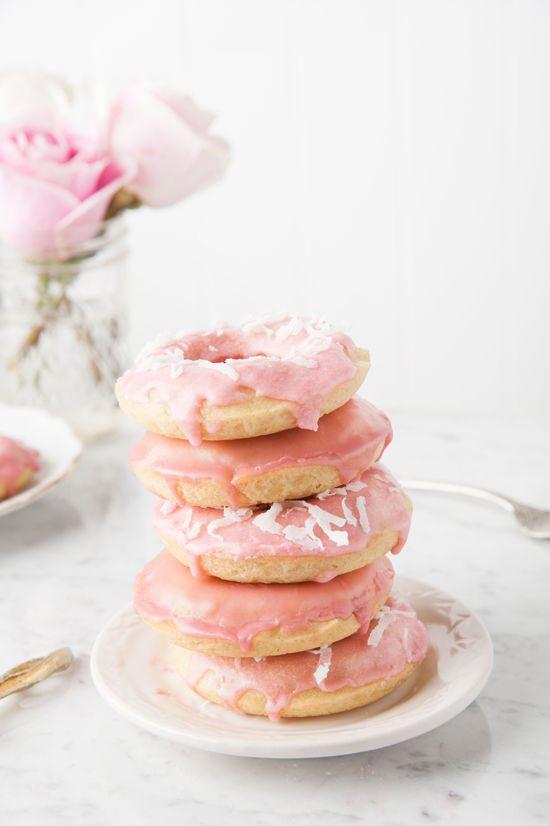 Pink baked doughnut recipe.