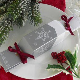 Snowflake Reusable Cracker with Wine Ribbon - Pack of 10