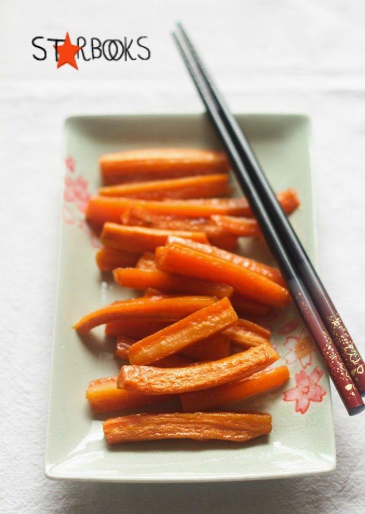 mmergete le carote nell'acqua in ebollizione e cuocetele per 5 o 6 minuti fino a quando non saranno cotte ma ancora al dente. Scolatele qui...
