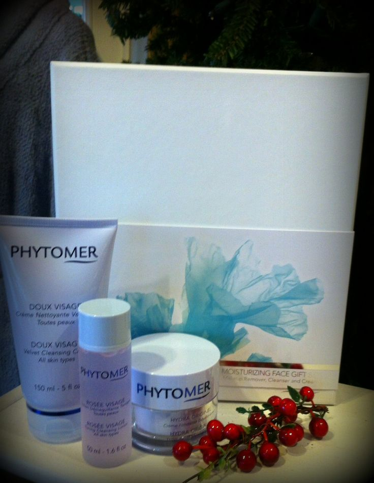 For over 40 years, the Phytomer Corporation USA has been creating marine based skincare products & treatments that help to maintain the true health and beauty of the skin. This holiday season, treat someone special to our Ocean Facial along with this beautiful gift set that includes Phytomer's award-winning Doux Visage, a Velvet Cleansing Cream; Rosee Visage, a Rose Toner; and Hydra Original, a Thirst-Relief Melting Cream. #spa #peddlersvillage #buckscounty #skincare #lastminutegifts