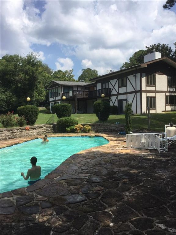 Hidden Oasis Retreat Giant Indoor Hot Tub Private Pool Huge Yard Trolley Route Boat Parking Eureka Springs Eureka Springs Indoor Hot Tub Hot Tub