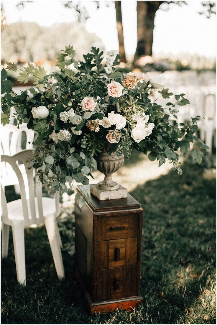 Butler barn wedding oregon   best DIY images on Pinterest  Birthdays Backdrop ideas and Balloons