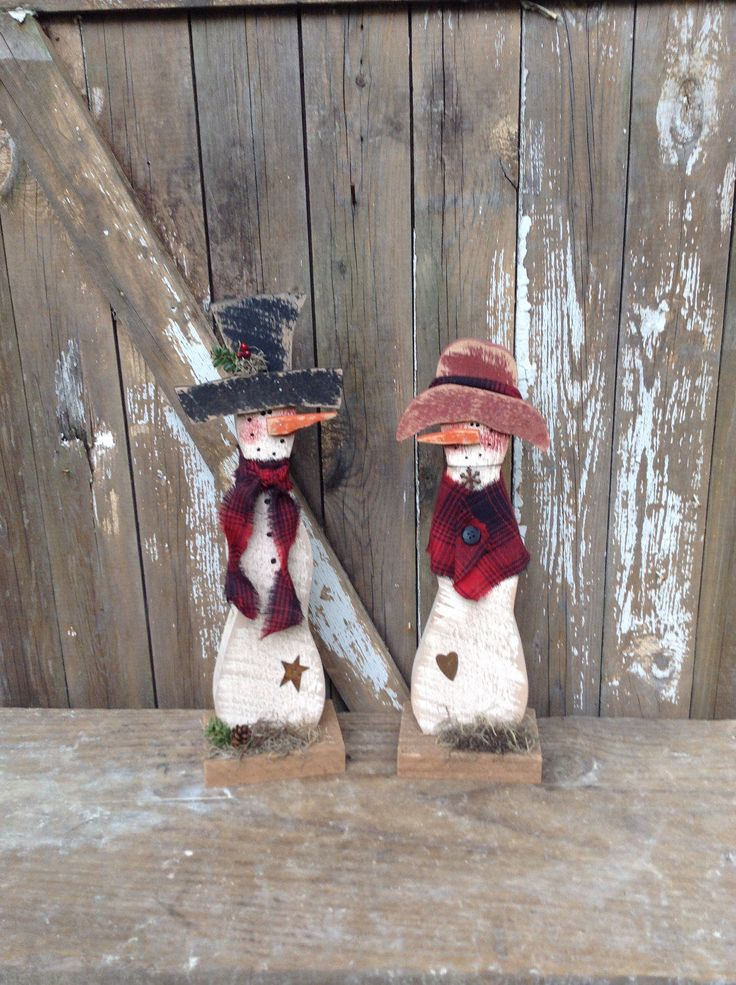 Primitive Snowman, Country Primitive, Wood Snowman, Primitive snowmen, snowmen, snowman, shelf sitter, winter decor, primitive wood snowman by LnMPrimitives on Etsy https://www.etsy.com/listing/186237758/primitive-snowman-country-primitive-wood