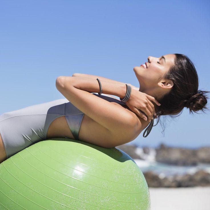 les 30 meilleures images du tableau gym avec ballon sur pinterest pilates exercices ballon et. Black Bedroom Furniture Sets. Home Design Ideas